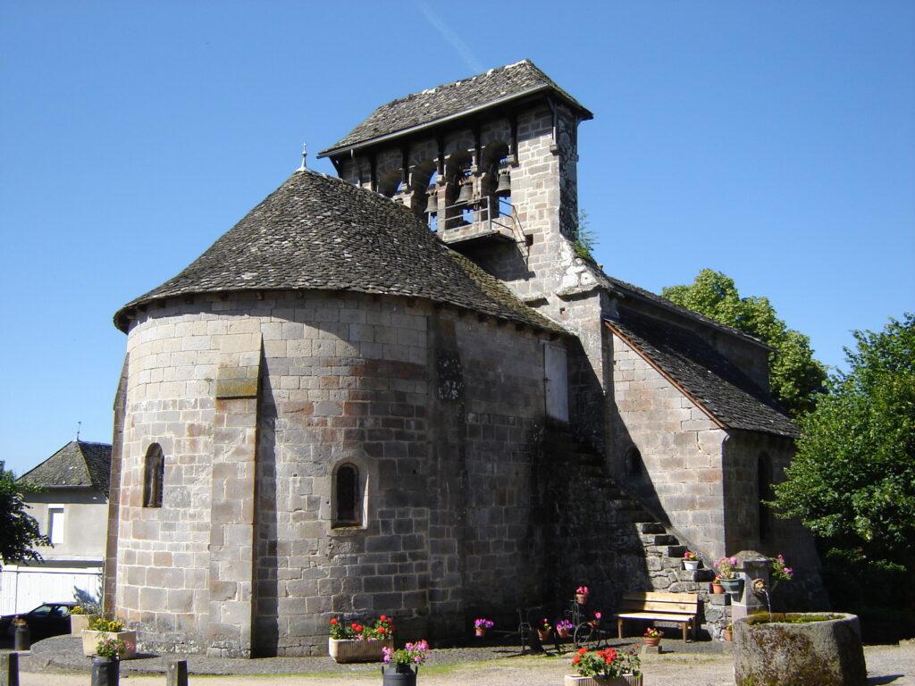 Auvergne à vélo - Eglise avec clocher-mur